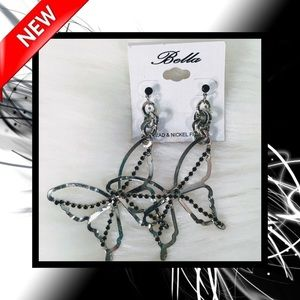 📿 Bella Dangle Butterfly Earrings